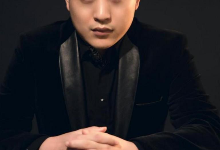 壹电竞专访左小亮:500小时登顶亚服的背后